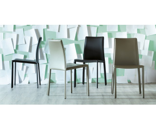 Chic chair by Miniforms