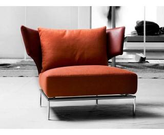 Abbraccio | Lounge chair | Erba Italia
