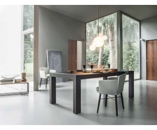 Dueci | dining table | Lema