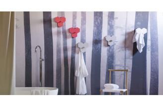 Leaf clothes hanger  by Miniforms
