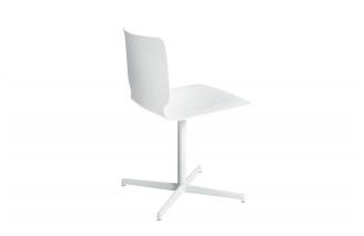 Holm 4 Star Base Swivelling   Chair   Desalto
