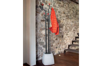 Urban coat hanger by Domitalia