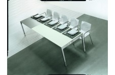 Maximo dining table by Urbinati