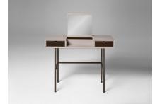 Chapeau | Desk | Alivar