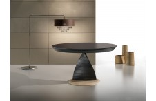 Orel dining table by Ideal Sedia