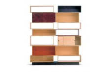 Pallet showcase by Villa Home Collection